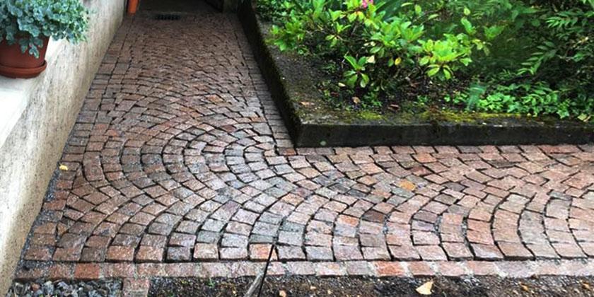 Wir pflastern Ihren Gehweg oder Fußweg | Wurst Tief- und Pflasterbau